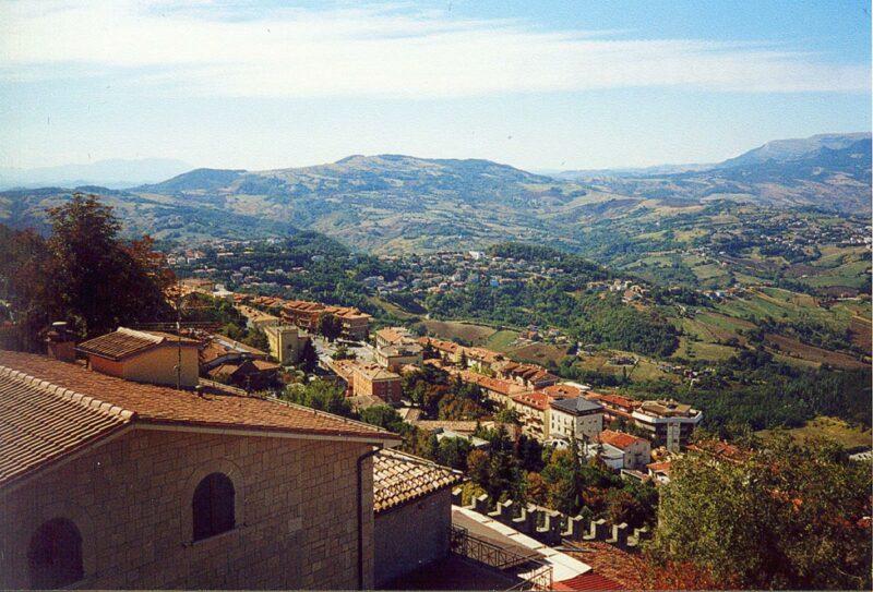 Näkymä San Marinoon. Kuvituskuva.