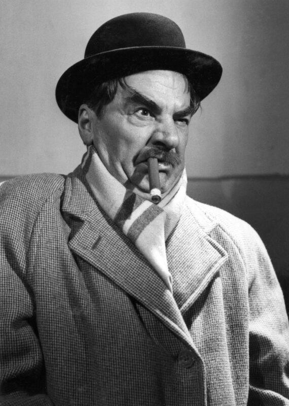 Joel Rinne (1897–1981) näytteli komisario Palmua kaikissa valmistuneissa elokuvissa.