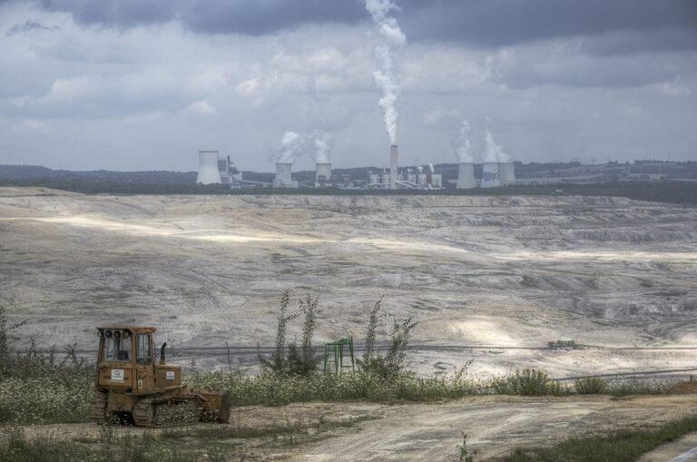 Turówin hiilikaivos ja voimalaitos Puolassa heinäkuussa 2021.