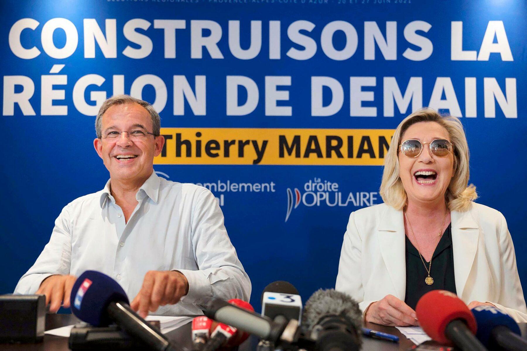 Kansallisen liittouman johtaja Marine Le Pen (oik.) ja europarlamentaarikko Thierry Mariani.