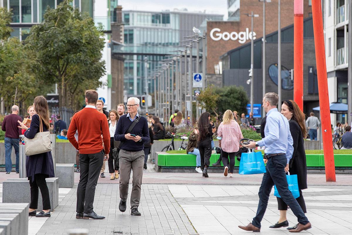 Irlanti on onnistunut houkuttelemaan maahan useiden suuryritysten pääkonttoreita lupaamalla veroetuja. Googlen toimitilat sijaitsevat Dublinin keskustassa.