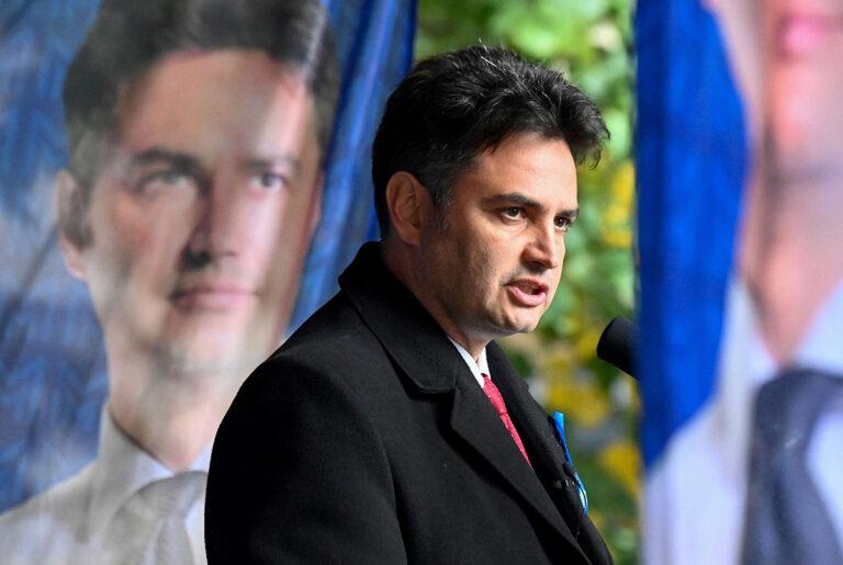 Unkarin opposition yhteiseksi pääministeriehdokkaaksi valittu Péter Márki-Zay puhui vaalitilaisuudessa Budapestissa 10. lokakuuta.