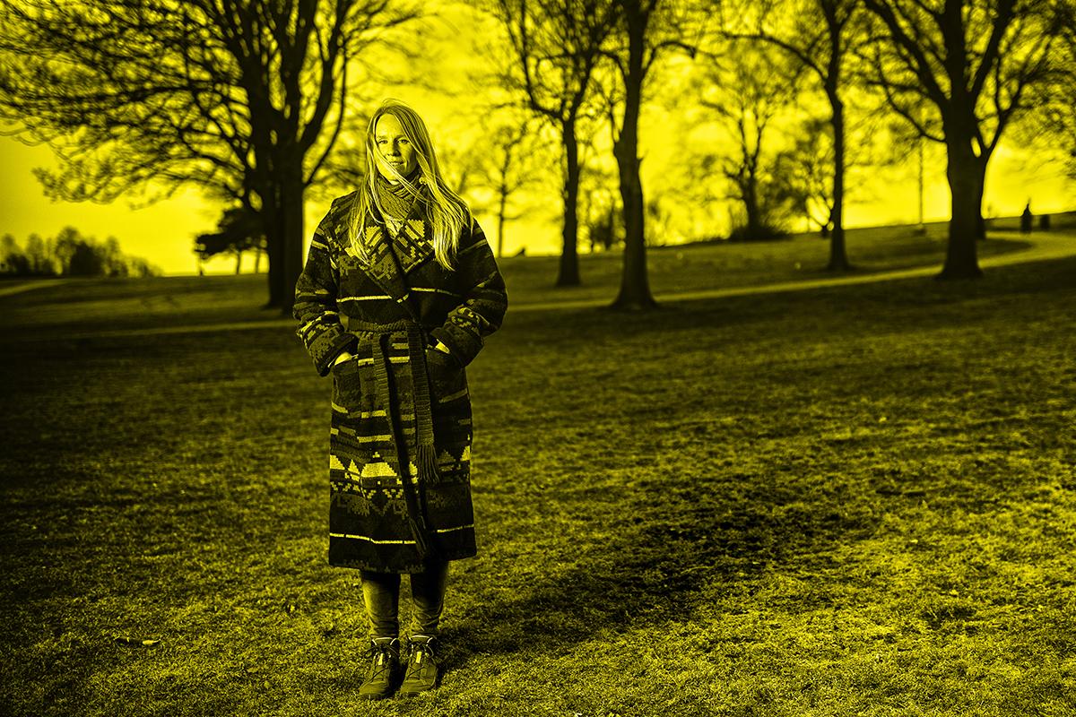 Henna Vermeulen toivoi, että hänet kuvattaisiin Helsingin Kaivopuistossa. Hän pitää puista.
