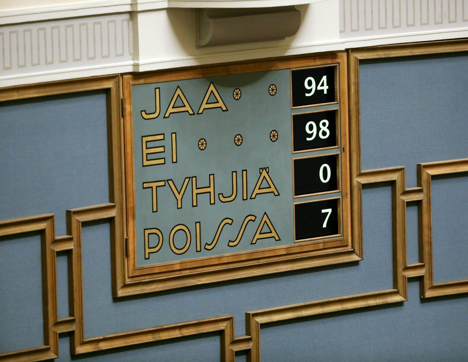Eduskunta hyväksyi 19. joulukuuta 2017 alkoholilain, jossa etämyyntiä ei mainita.