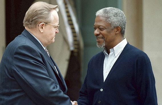 Ahtisaari ja Kofi Annan