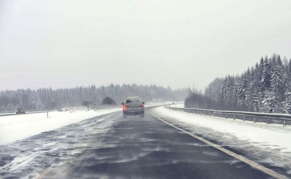 Moottoritie talvi