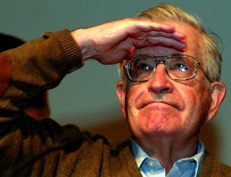 Kirjailija Noam Chomsky Göteborgin kirjamessuilla perjantaina 20. syyskuuta 2002.