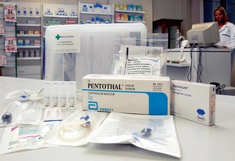 """Eutanasia on sallittu Hollannissa ja Belgiassa. Belgialaislääkärit voivat hankkia """"eutanasiapaketin"""", jos he suorittavat armomurhan potilaan kotona. (Kuva Jock Fistick / Reporters / Lehtikuva)"""