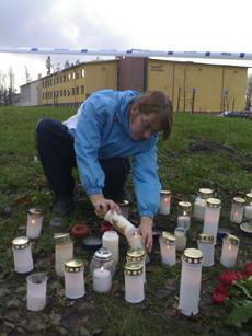 kynttilöitä jokelan koululla