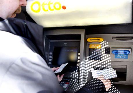 pankkiautomaatti 2008
